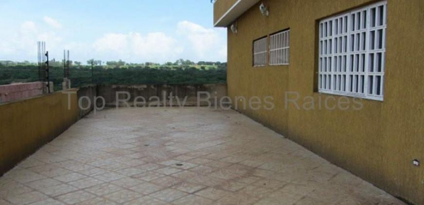 Amplia Quinta de dos niveles – Villa Granada